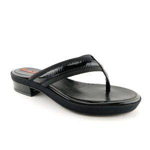 Unworn PRADA Black Patent Logo Thong Sandals 35.5